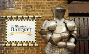 Enjoy Medieval Banquet London Tours